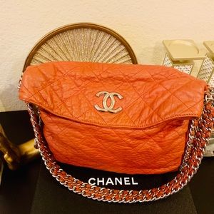 Gorgeous Large Chanel chain around flap bag